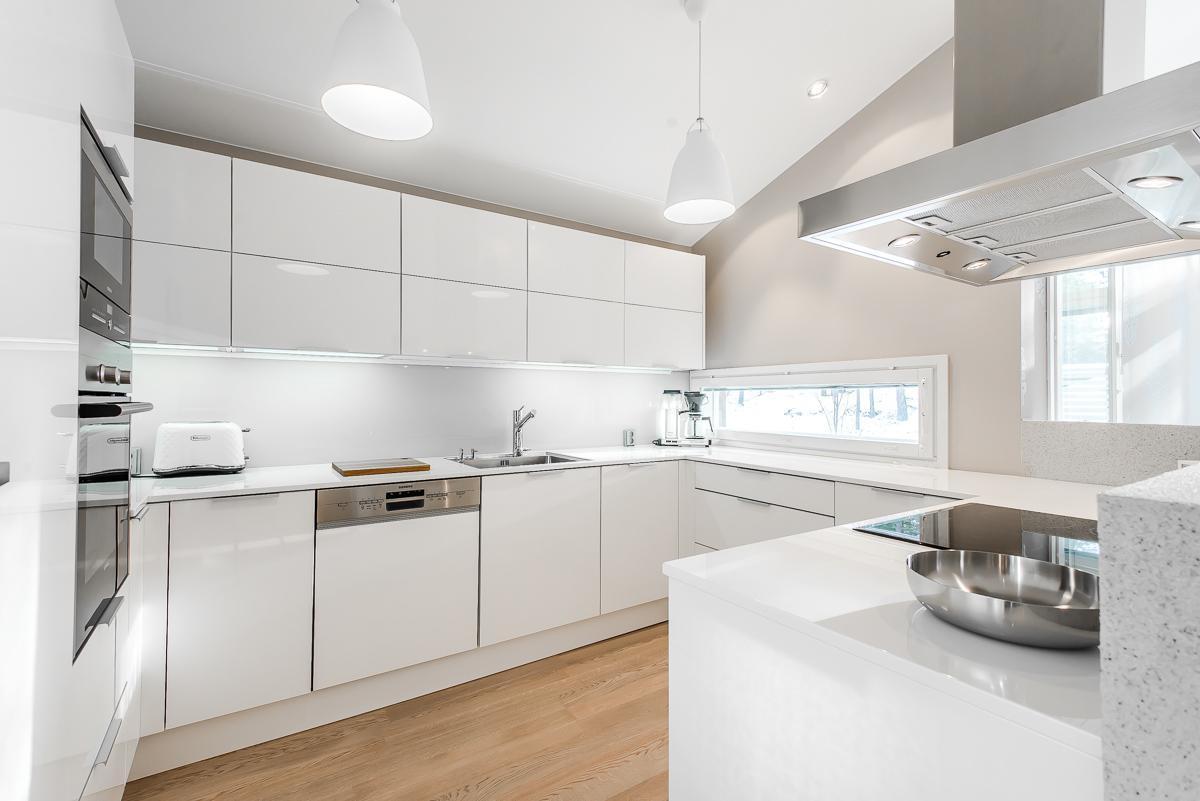 Moderni keittiö, Etuovi com Asunnot, 56ba2cb6e4b09002ed151518  Etuovi com Si